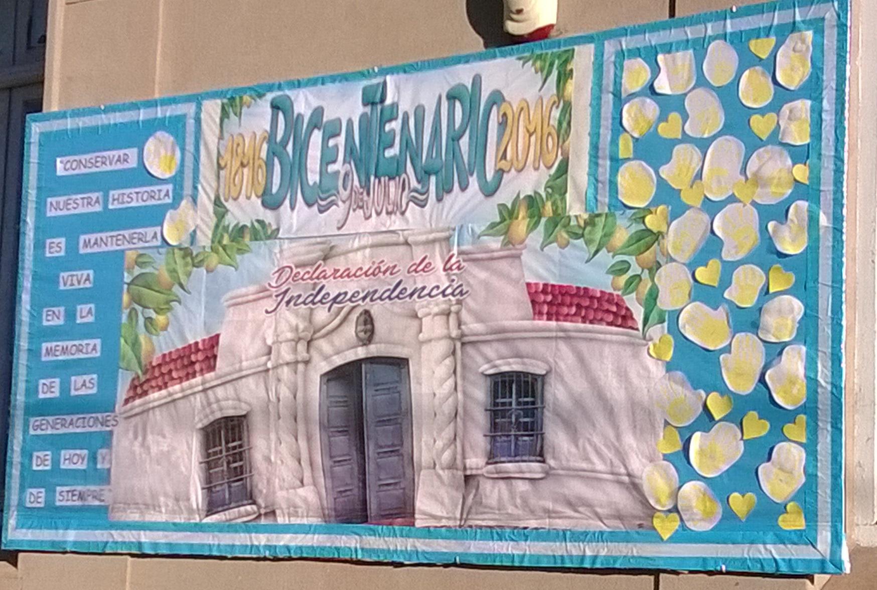 Cartel de la casa de tucumán con motivo del bicentenario de la independencia